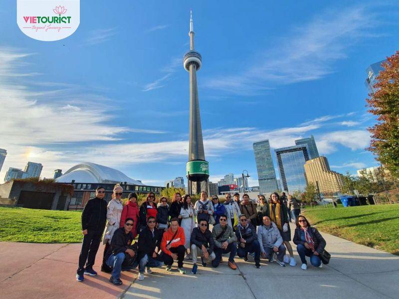 Hình Khách Tour Canada