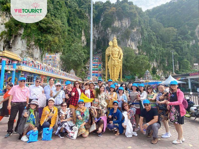 Hình Khách Tour Singapore Malaysia