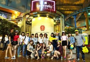 Du lịch Singapore Malaysia: Khách Hàng Tháng 8