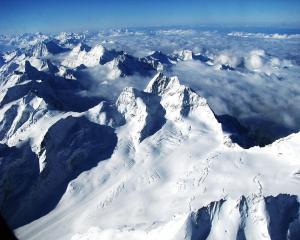 Kỳ Quang Tuyết Trắng Trên Dãy Alps
