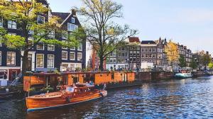 Trải Nghiệm Không Thể Bỏ Lỡ Khi Du Lịch Hà Lan