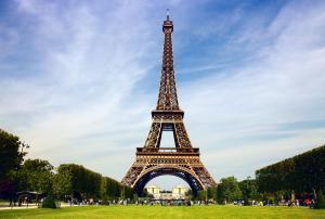 Tháp Eiffel - 18 Sự Kiện Thú Vị Có Thể Bạn Chưa Biết
