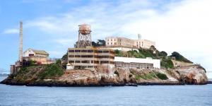 5 Điều Có Thể Bạn Chưa Biết Về Nhà Tù Alcatraz Ở Vịnh San Francisco.