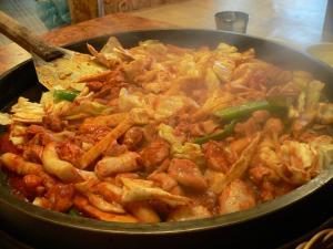 Trải Nghiệm 9 Món Ăn Tại Seoul Khiến Du Khách Say Mê