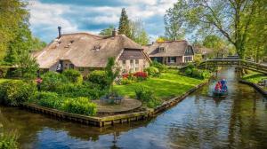 Yên Bình Khi Đến Làng Cổ Giethoorn – Hà Lan