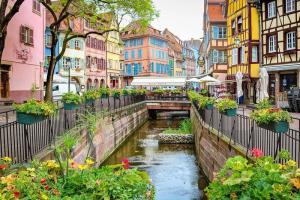 Khám Phá Thị Trấn Colmar Cổ Tích - Nước Pháp