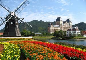 Tour Du Lịch Châu Âu Lễ Hội Hoa Tulip: Pháp - Luxembourg - Bỉ - Hà Lan - Đức (Bay VietNam airline)